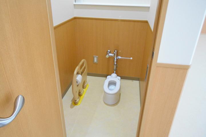 幼児室トイレ